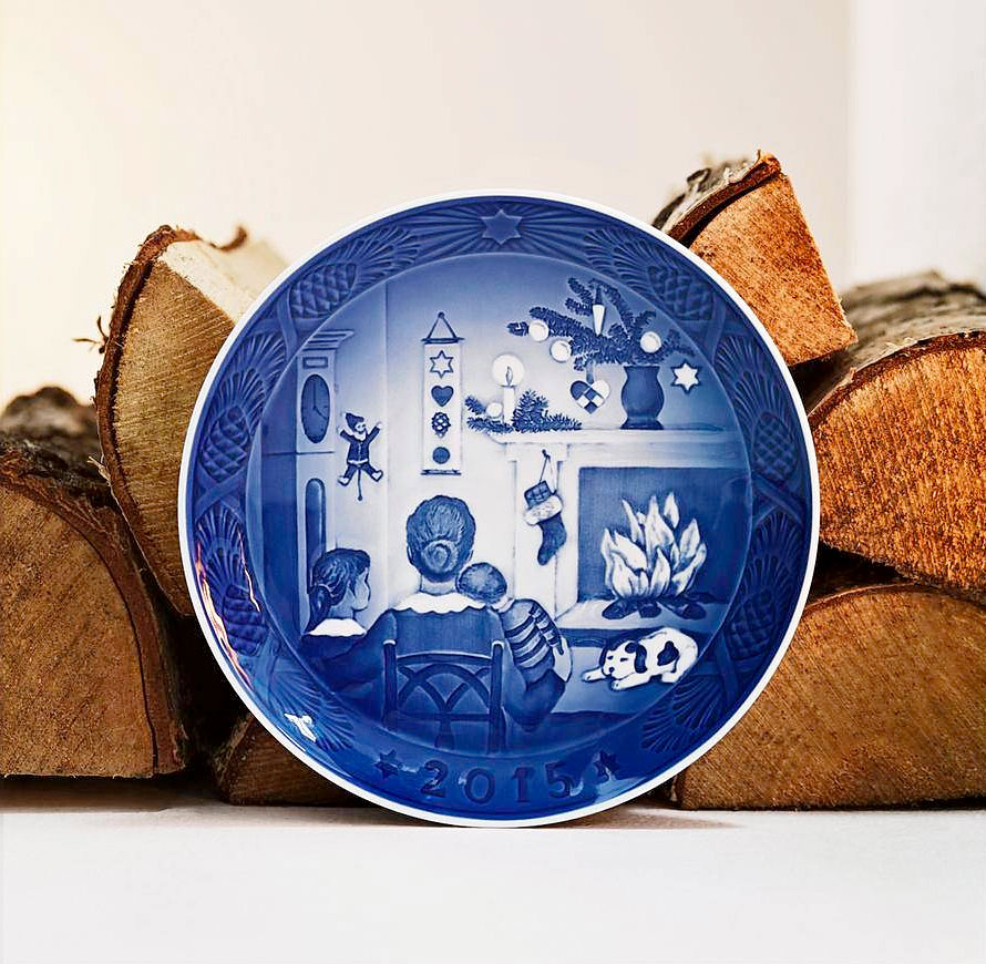 ロイヤルコペンハーゲン イヤープレート 2015年版 「CHRISTMAS DAYS」 ( Royal Copenhagen Year Plate 2015 - CHRISTMAS DAYS )