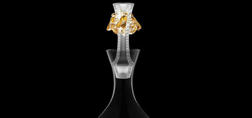 ラリック イヤーデカンタ 2015 アベイユ クリア ゴールド ( Lalique Abeilles - Decanter, Clear Crystal and Gold Stamped - 2015 Vintage Edition )