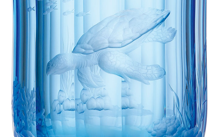 ボヘミアガラス モーゼル 花瓶 パラダイス507 カメ ( Bohemian Glass Moser Paradise 507, hand cut and engraved vase, motif Turtle )