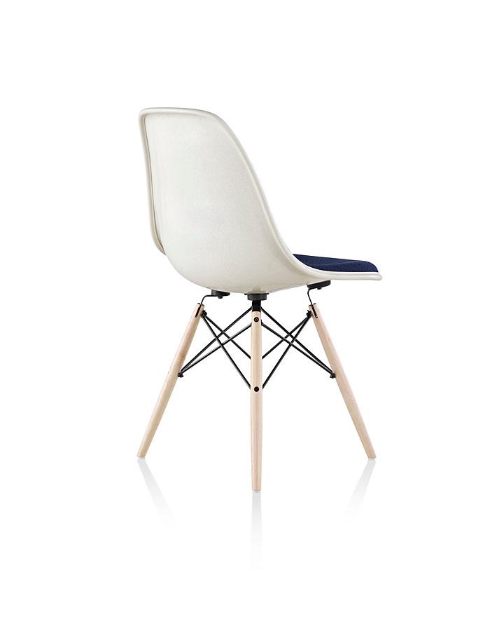 ハーマンミラー イームズファイバーグラスシェルサイドチェア ( Herman Miller Eames Molded Fiberglass Chairs )