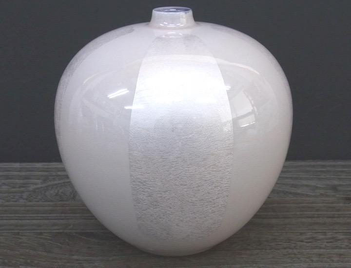 九谷焼 中田一於 5.5号花瓶 淡桜釉裏銀彩花文