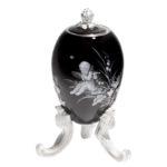 マイセン 卵型ボックス 「楽を奏でる妖精」