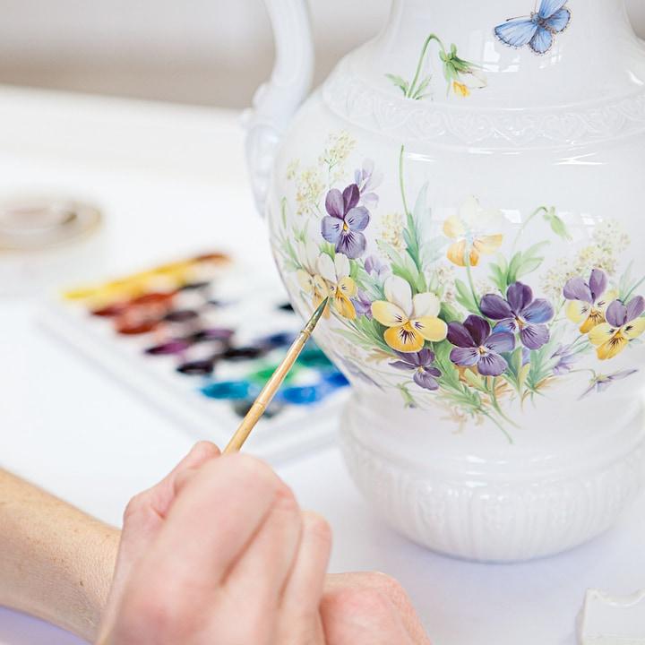 マイセン 花瓶 「パンジーとバロックハンドル」 ( MEISSEN® Baroque Handled Vase With Pansies )
