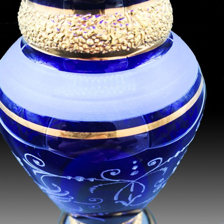 ボヘミアガラス 金彩 ブルー エングレーブド ベース 花瓶 ( Bohemian Glass Gilded Engraved Blue Vase )