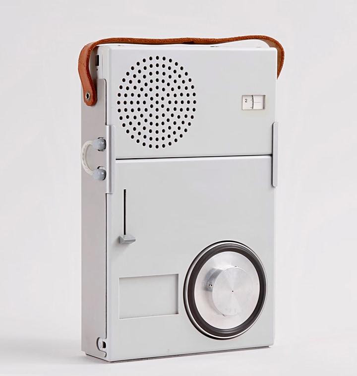 ブラウン 小型ラジオ&レコードプレイヤー TP1 ( Braun Portable Record Player and Radio TP1 )