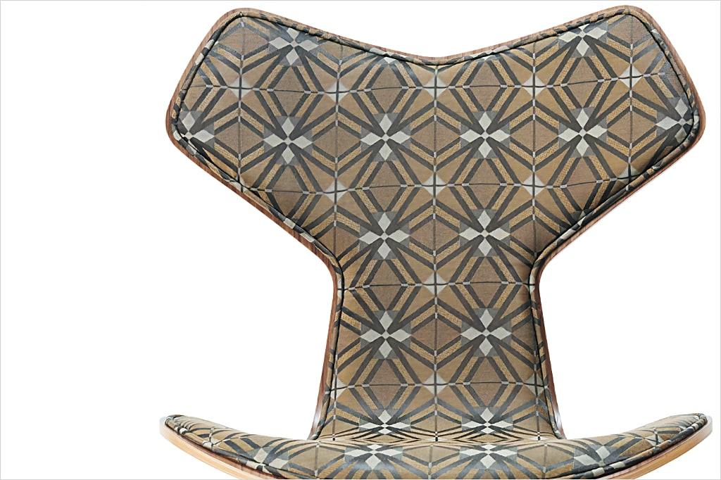 ホワイトマウンテニアリング+フリッツ・ハンセン コラボチェア アルネ・ヤコブセン グランプリチェア 限定版 ( White Mountaineering + Fritz Hansen Collaboration Chair Arne Jacobsen Grand Prix Chair Limited Edition )